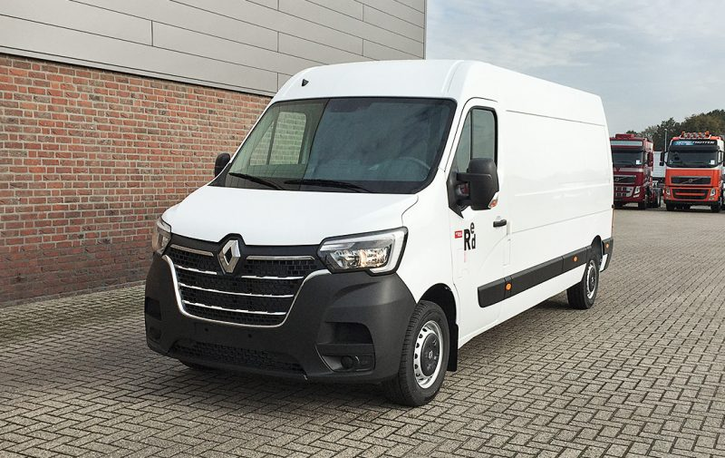 RE1913 Renault Master Red Edition-1
